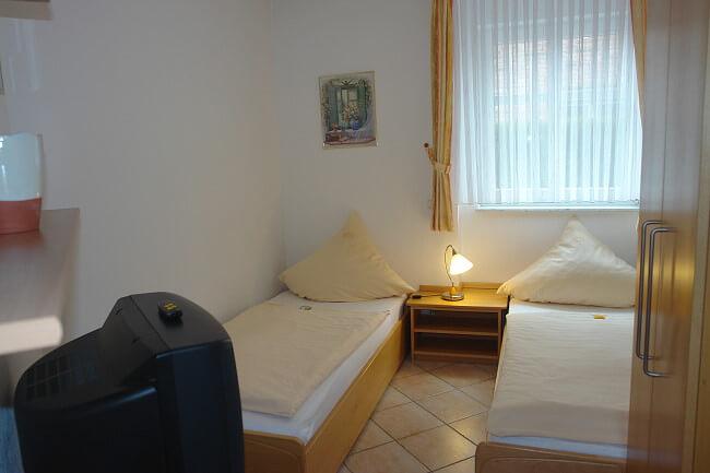 Wohnung Jever - 2. Schlafzimmer 1
